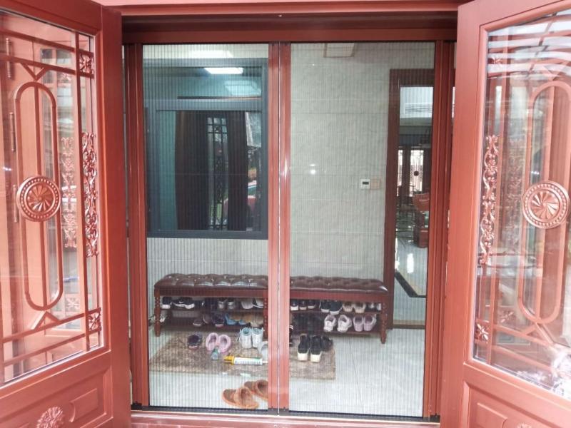 别墅隐形折叠纱门